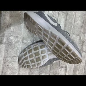 Nike Shoes - Gray Nike Women's Tanjun